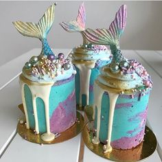 Mermaid mini cakes by @deliciousbysara