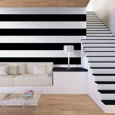 57c0a3e3355 Consigue un efecto visual como este con el papel pintado de rayas bicolor  en blanco y