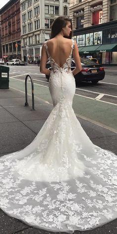 9186a61af15 24 Trumpet Wedding Dresses That Are Fancy   Romantic