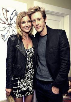 Emily VanCamp & Gabriel Mann. Both super gorgeous, love them.