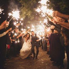 Sparklers!! Cute wedding idea