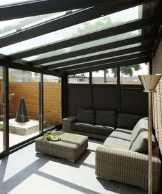 Bring the garden inside with this stylish black conservatory, Do you want more space in your home and are you looking for the ideal extension? At Slimster you will find information about the various expansion mod. Outdoor Lounge, Outdoor Seating, Outdoor Living, Garden Room Extensions, House Extensions, Backyard Patio Designs, Pergola Patio, Outside Patio, Minimal Home