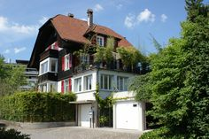 See 345 photos and 8 tips from 1884 visitors to Thun. Thun Switzerland, Bed And Breakfast, Daisy, Cabin, Mansions, House Styles, Home Decor, Decoration Home, Manor Houses
