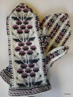 Palasia Niinan Elämästä: Kainuun kukkalapaset Gloves, Winter, Fashion, Winter Time, Moda, Fashion Styles, Mittens, Fashion Illustrations, Fashion Models