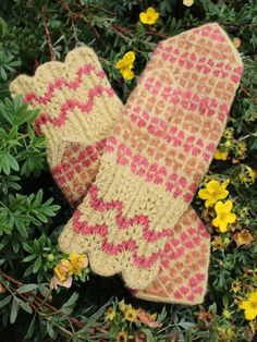 Finely Hand Knitted Seto (Estonian) Mittens on Yellow - warm and windproof Holiday Destinations, Fingerless Gloves, Arm Warmers, Mittens, Hand Knitting, Yellow, Orange, Things To Come, Yarns