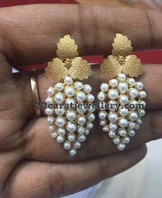 18 Carat Gold Simple Earrings 2019 18 Carat Gold Simple Earrings Jewellery Designs The post 18 Carat Gold Simple Earrings 2019 appeared first on Jewelry Diy. Gold Jewelry Simple, Simple Earrings, Trendy Jewelry, Ring Earrings, Silver Earrings, Fashion Jewelry, India Jewelry, Pearl Jewelry, Wedding Jewelry