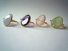 Adelline | bagues en or et calcédoine, améthyste, quartz rose ou phrénite