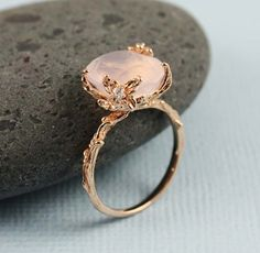 Such a pretty ring (FleaingFrance.com)  sold at http://www.coolandinteresting.com/product_p/13056.htm