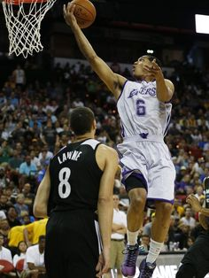 Towns, Russell debut as Wolves top Lakers in Summer League
