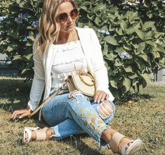 DIY Blumenprint Jeans - DIY Blumenprint Jeans Source by lisafirle - Fashion Group, Only Fashion, Love Fashion, Fashion Outfits, Womens Fashion, Fashion Design, Fashion Blogger Style, Fashion Stylist, Fashion Bloggers