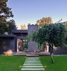 Robins Way Residence by Bates Masi Architects LLC