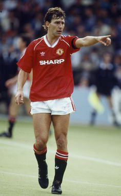 Bryan Robson, Manchester United Player of the Year 1988/89
