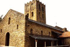 eglise de Saint Martin de Canigou. Languedoc-Roussillon