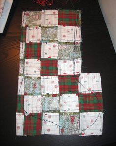 Diy Quilted Christmas Stocking, Christmas Crafts Sewing, Christmas Tree Quilt, Christmas Projects, Christmas Gift Decorations, Diy Christmas Ornaments, Homemade Christmas, Diy Christmas Gifts, Crafty Projects