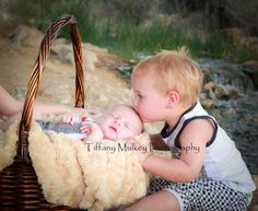 Newborn sessions. Family. Brothers. Big brother little brother.