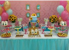 lots of bright colored display stands Frozen Fever Party, Frozen Birthday Party, 5th Birthday Party Ideas, Birthday Fun, Frozen Disney, Anna Frozen, Frozen Summer, Frozen Princess, Party Time