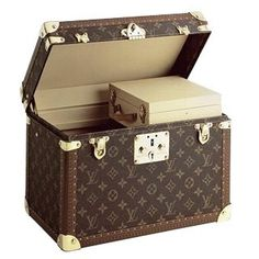 88a188acdbb4 Louis Vuitton  the ultimate in luxury travel gear! Louis Vuitton Online