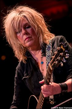 Lucinda Williams played at Paradiso. Ik was daarbij. Outlaw Country, Country Music, Live Music, Rock Music, Elvis Costello, Women Of Rock, Female Guitarist, Music People, Jazz