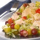 Salada com uvas e queijo