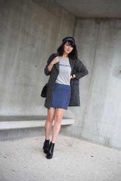 Look mode Sézane Paris x La Redoute, manteau boyfriend, boots Sarenza, sac Chanel.