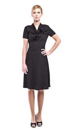 Free pattern: Dress with bow - patron gratuit : robe avec un noeud de cravate