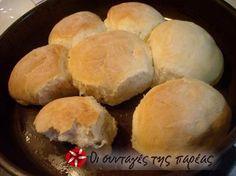 Αφράτο ψωμάκι μαργαρίτα #sintagespareas Pita Bread, Garlic Bread, Naan, Margarita, Cornbread, Bread Recipes, Food Processor Recipes, Food And Drink, Cheese