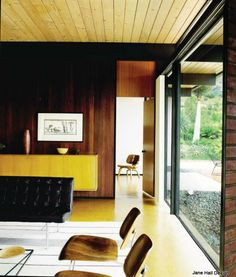 Mid Century modern home from 1955 in Malibu California