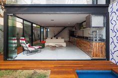 Diseño de sala comedor de casa angosta