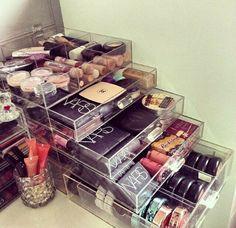 Organización del maquillaje.