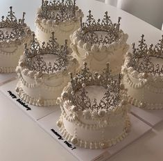 Pretty Birthday Cakes, Pretty Cakes, Beautiful Cakes, Korean Cake, Pastel Cakes, Cute Baking, Cake Trends, Cute Desserts, Just Cakes