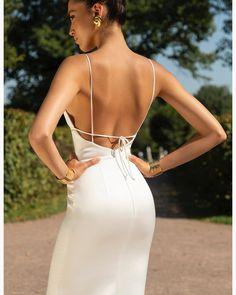 Moda Woow 😍 4 or 5 ? Ball Gown Dresses, Evening Dresses, Prom Dresses, Couture Fashion, Girl Fashion, Fashion Design, Shweshwe Dresses, Tango Dress, Dresses Short
