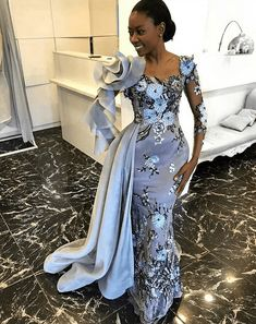 Checkout These 30 Most Stylish and Classic Aso Ebi Styles We Admired During The Weekend - Aso Ebi Styles - african weddings African Lace Styles, African Lace Dresses, African Fashion Dresses, African Wedding Attire, African Attire, African Weddings, Dinner Gowns, Evening Dresses, Robes Glamour