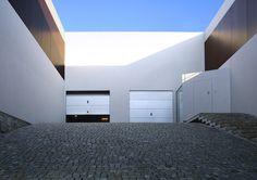 Aatrial House / KWK PROMES