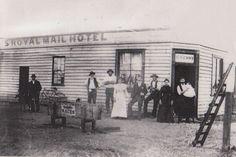Royal Mail Hotel, Bendigo The Royal Mail Hotel, near the railway line Williams Lane, Myers Flat, Victoria. South Australia, Western Australia, Melbourne Suburbs, Melbourne Victoria, Royal Mail, Tasmania, Old Photos, Swan, Colonial