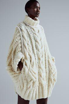 Spencer Vladimir Autumn 2018 & Knitting and fashion. Knitting trend & Yandex Zen Spencer Vladimir Autumn 2018 & Knitting and fashion. Cute Sweater Outfits, Cute Sweaters, Girls Sweaters, Cable Knit Sweaters, Sweater Dresses, Cardigans, Knitwear Fashion, Knit Fashion, Sweater Fashion