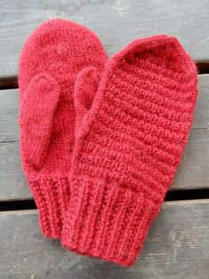 Knitted Gloves, Mittens, Sewing, Knitting, December, Crochet, Knits, Bathrooms, Threading