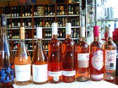 Inšpirácia na  letný večer ...  Údený losos s kôprom a smotanovým dresingom a k tomu si môžete otvoriť famózne ROSÉ vína z našej ponuky - www.vinopredaj.sk -  #losos #salmon #tapas #chlebicek #jednohubka #jedlo #dobrejedlo #yummy #milujemejedlo #rose #rosee #ruzove #vino #wine #wein #inmedio #vinoteka #winebar #wineshop #karpatskaperla #varieto #carmenet #masi #whisperingangel