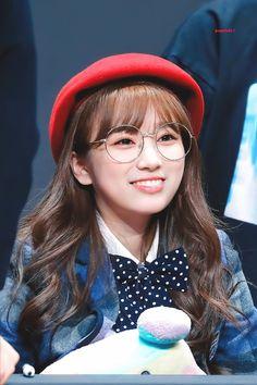 Yuri, Kpop Girl Groups, Kpop Girls, Nayeon, Snsd, Gfriend Sowon, Fandom, Japanese Girl Group, Kim Min