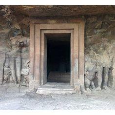 Elephanta caves. Entrance at cave n° 3