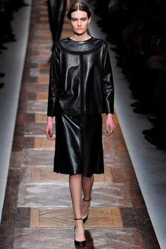 Valentino Fall 2012 Ready-to-Wear Collection Photos - Vogue#2