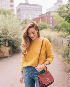 All of my favorite fall tones over on galmeetsglam.com today link in profile to the post! #fallstyle #fallcolors #sezane #marigold #burgundy #sweaterweather #gmgtravels