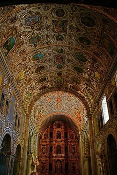 The Church and former monastery of Santo Domingo de Guzmán (Spanish: Templo de Santo Domingo de Guzmán) is a Baroque ecclesiastical building complex in Oaxaca, Oaxaca, Mexico.  Santo Domingo - Oaxaca by Mario De Leo