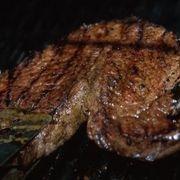 How to Prepare Beef Chuck Tender Steak Ribeye Steak In Oven, How To Cook Ribeye, Sirloin Steaks, How To Broil Steak, T Bone Steak Recipe In Oven, Broiler Oven, Ribs, Diets, Kitchens