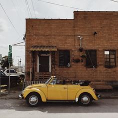yellow VW / photo by Shaider Divina