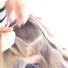 Here's a super speedy video of the #starburstbraid ☺️ if you're finding it difficult to see, it's basically a French braid but  adding in hair out of the ponytail too. I have a slower version on my Facebook page Sweethearts Hair Design 😄 @peinadosvideos @hudabeauty #quickbraids #quickhairstyles #schoolhair #schoolbraids #plaits #peinados #trenzas #frenchplaits #prettyhair #peinadosvideos #kidshair #kidsbraids #hairvideos #hairtutorials @peinadosvideos #hudabeauty