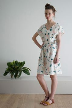 CUS Autumn Winter beautiful ZOLAstroke print-sustainable dress Short Sleeve Dresses, Dresses With Sleeves, Fall Winter, Autumn, Spring Summer, Summer Dresses, Beautiful, Fashion, Moda