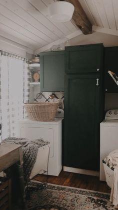 Farmhouse Laundry Room, Laundry Room Decor, Cozy Home, Cozy Cottage, Authentic Farmhouse, Farmhouse Decor, Fixer Upper, Laundry Room Makeover, Dream Home, Interior Decor, Vintage Decor, Vintage Farmhouse