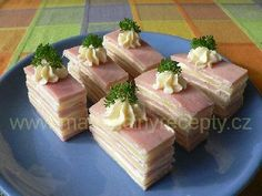 Snacks Für Party, Party Treats, Party Desserts, Czech Recipes, Party Platters, Tasty, Yummy Food, Catering Food, I Foods