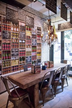 wooden table & metal chairs #restaurantinterior