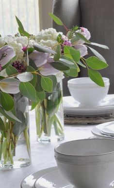 A Simple Easter Tablescape - Decor Gold Designs